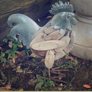 Vintage Accents - Outdoor Garden Decor Lil Metal & Wood Rooster